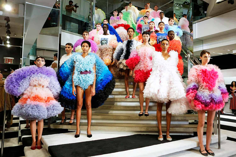 5 noticias de moda y estilo que debes conocer: Tomo Koizumi + Balenciaga + Nike y más