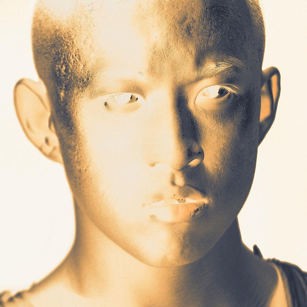 6 lanzamientos recientes que debes escuchar: Rich Brian + Half Alive + Elita y más
