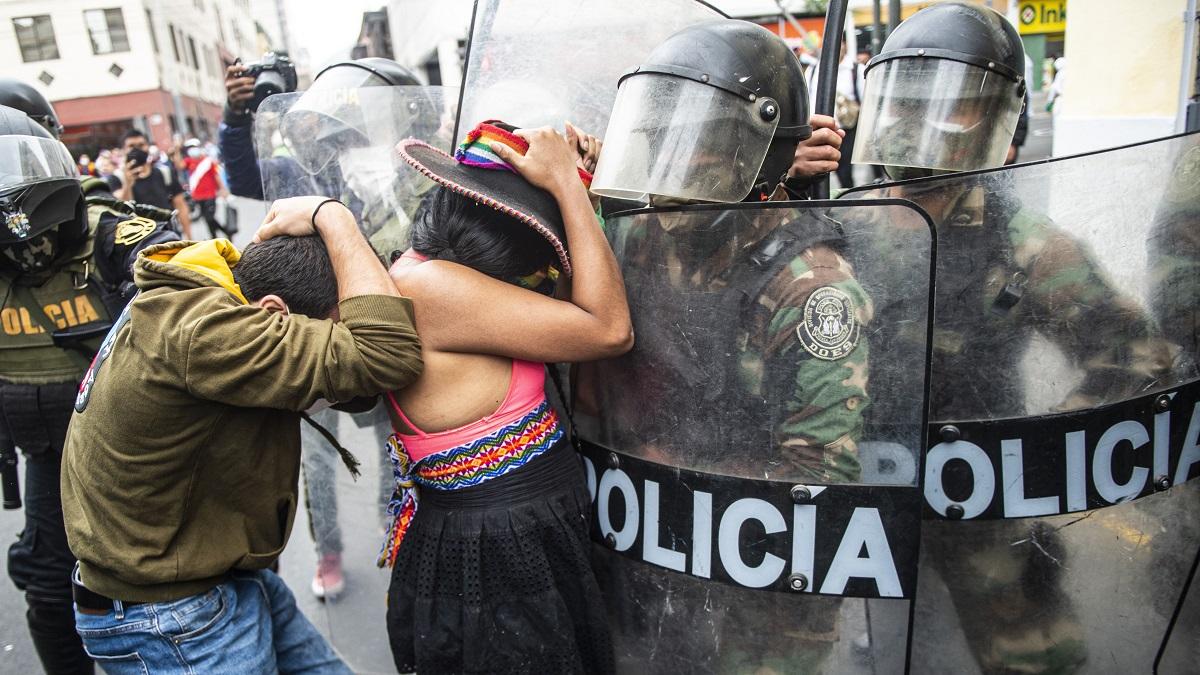 """ONU: Policía de Perú hizo """"uso excesivo de la fuerza"""" en protestas contra Merino"""