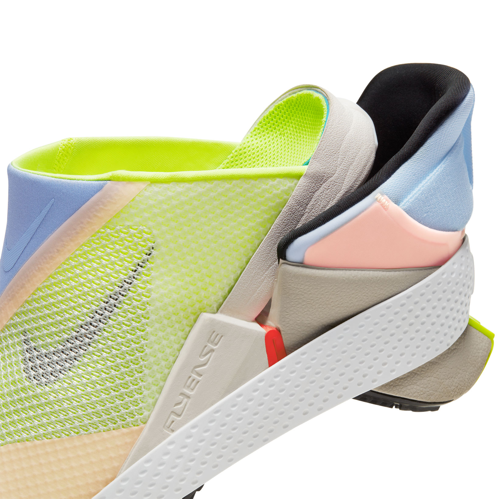 Las nuevas zapatillas Nike Go FlyEase. Fotografía: Nike
