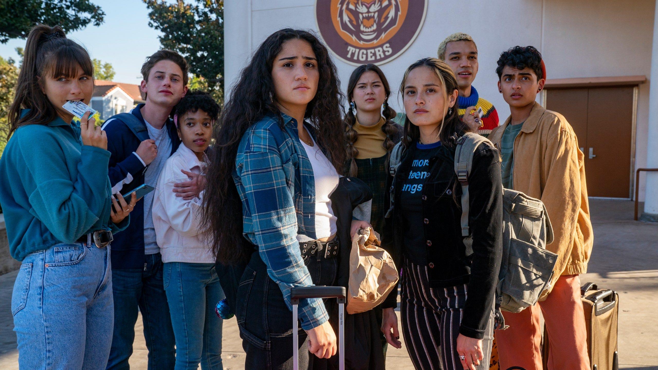 """""""Generation"""": Lena Dunham se disculpa tras el uso de gatos muertos para una escena de su nueva serie"""