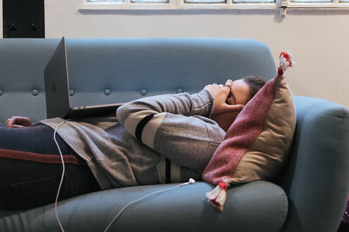 Trabajar más de 55 horas semanales mata a 745.000 personas al año, según estudio de la OMS