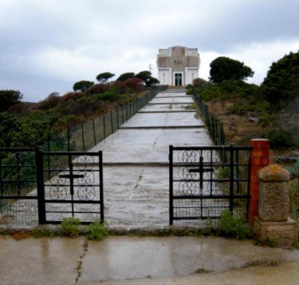 Asinara - Campo Perdu - L'Ossario dei Prigionieri di guerra austro ungarici.