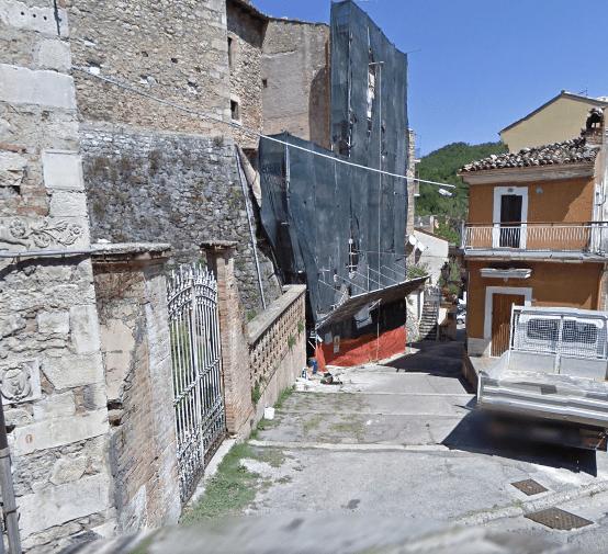La salita del Torrione prima dei lavori, vista dalla Chiesa Madre