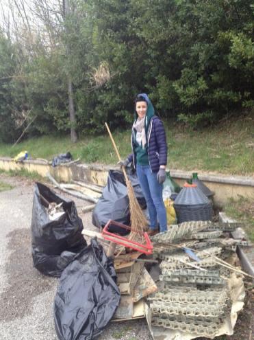 Giornata ecologica del gruppo ambiente di Crescita Comune - Foto Facebook (profilo Marta Di Francesco)