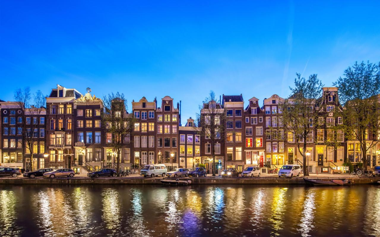 Amsterdam facts & figures