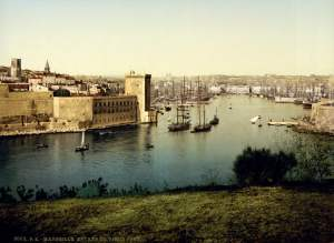 Past & Present: Photographs of Marseille, France 13