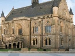 Dundee McManus Galleries
