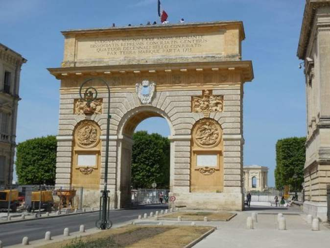 Porte du Peyrou facts