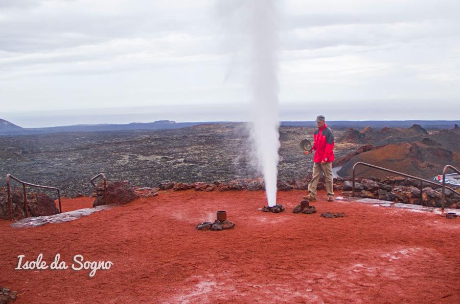 geyser lanzarote timanfaya