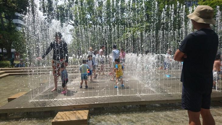 中野四季の森公園(中野セントラルパーク)で水遊び