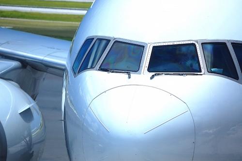パイロットは儲かる仕事