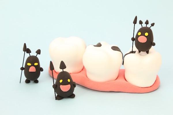 お金がなくても歯医者に行く必要がある