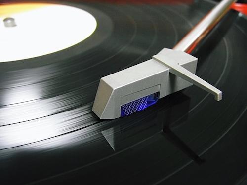 レコードプレイヤーなどを売る前にチェックすべきこと!