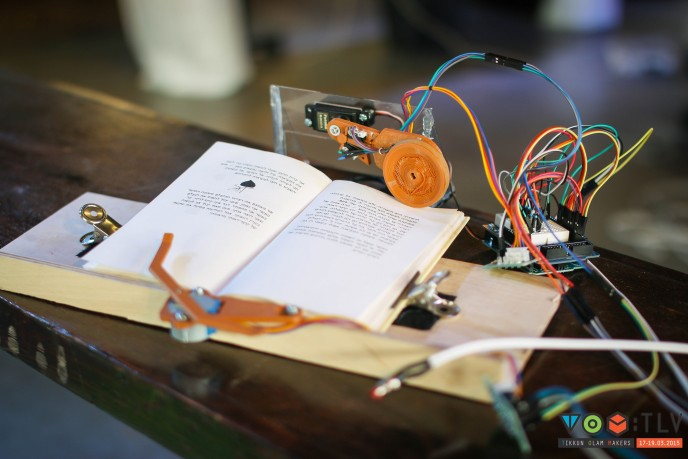 – This system allows people who are paralyzed from the neck down to turn pages in a book. (ZOA Productions)