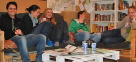 Hanging-out-in-the-best-hostel-in-Mitzpe-Ramon-The-Green-Backpackers