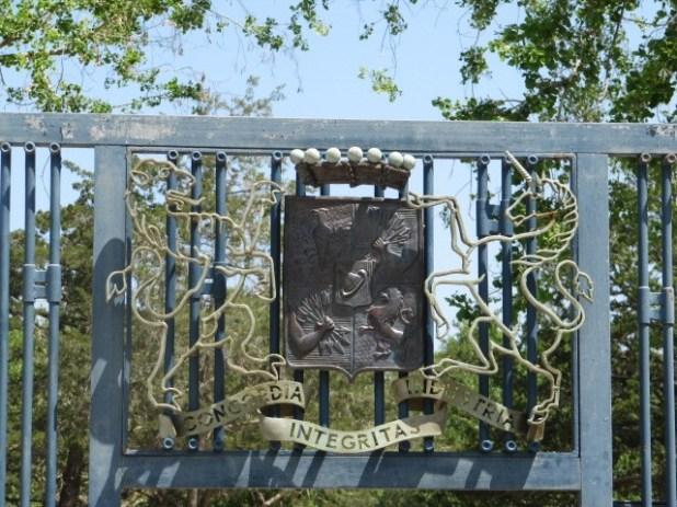 Ramat Hanadiv - Rothschild Coat of Arms