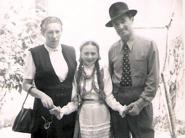 Рина Шейнфельд с родителями