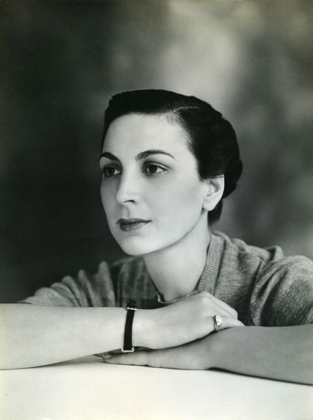 Жаклин Каханов
