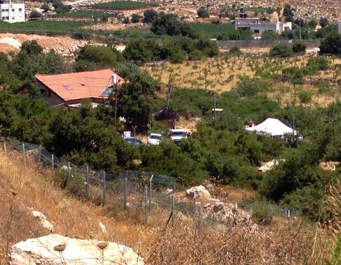 Hallel Ariel - family house