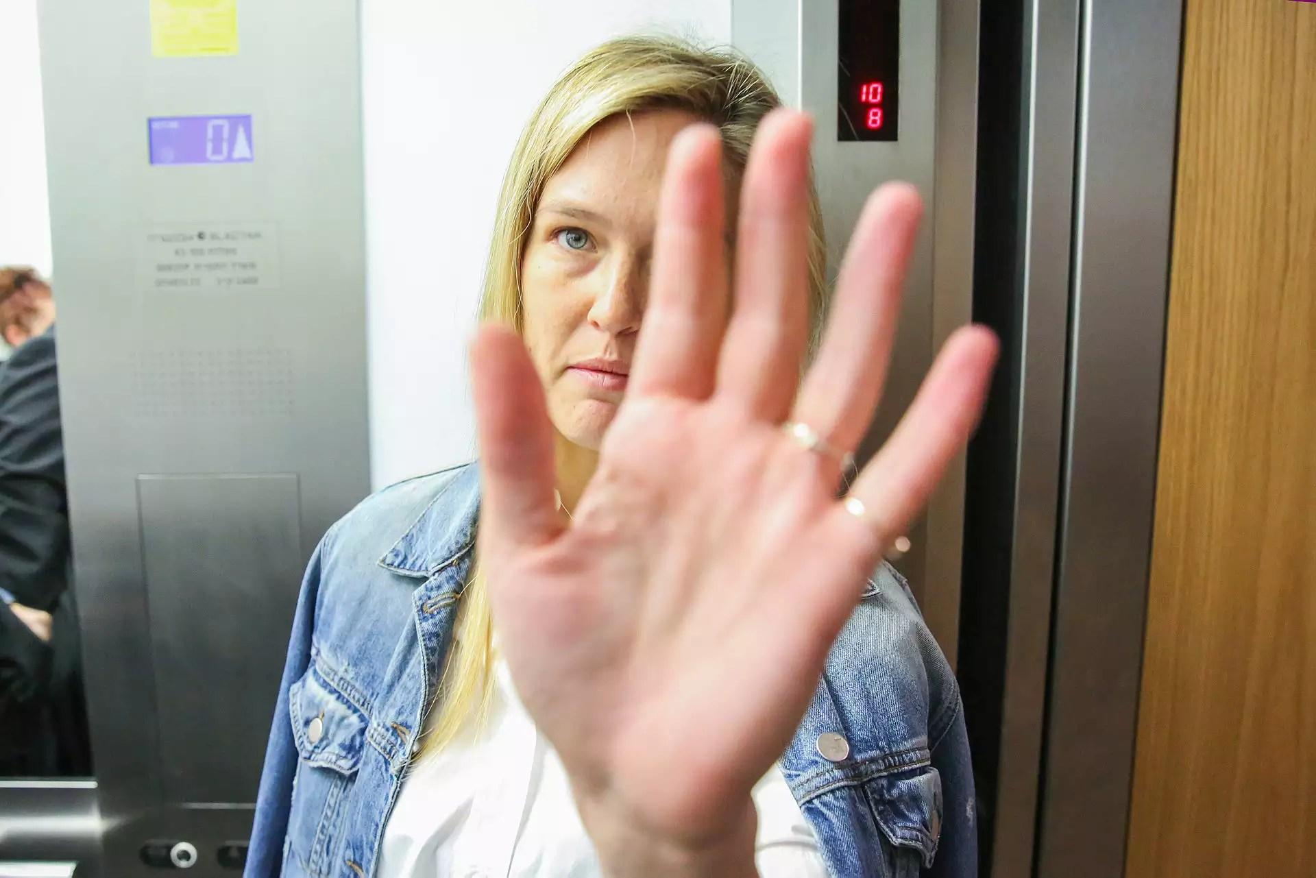 Sign Language Yy