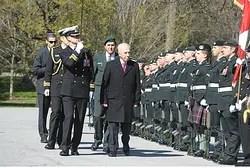 Shimon Peres Reviews the Honor Guard