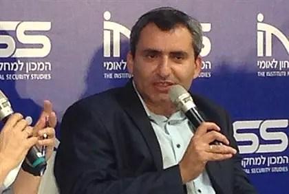 Elkin speaks at INSS