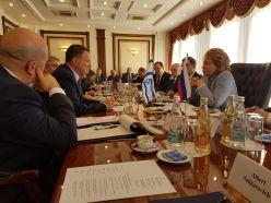 Во время встречи с российскими парламентариями и сенаторами