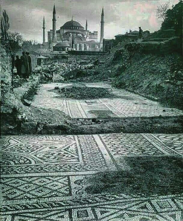 Palastmosaike und Hagia Sophia