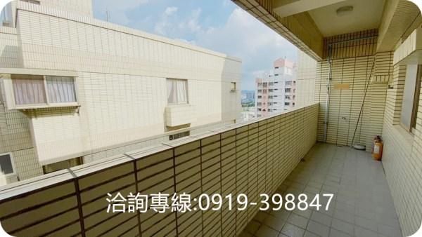 北屯-太原車站採光華廈(3房+平面車位)  入門陽台玄關