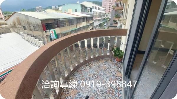 北屯-軍功商圈5房樓中樓 挑高4米2 全新裝潢