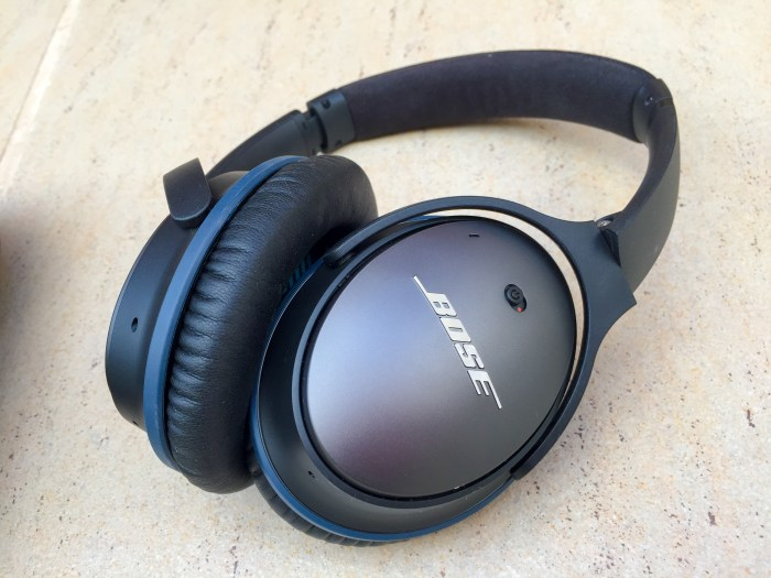 bose qc25. the qc25 is one of most comfortable over-ear headphones i\u0027ve ever tried. whereas some tried actually clips my earlobes (and bose qc25 p