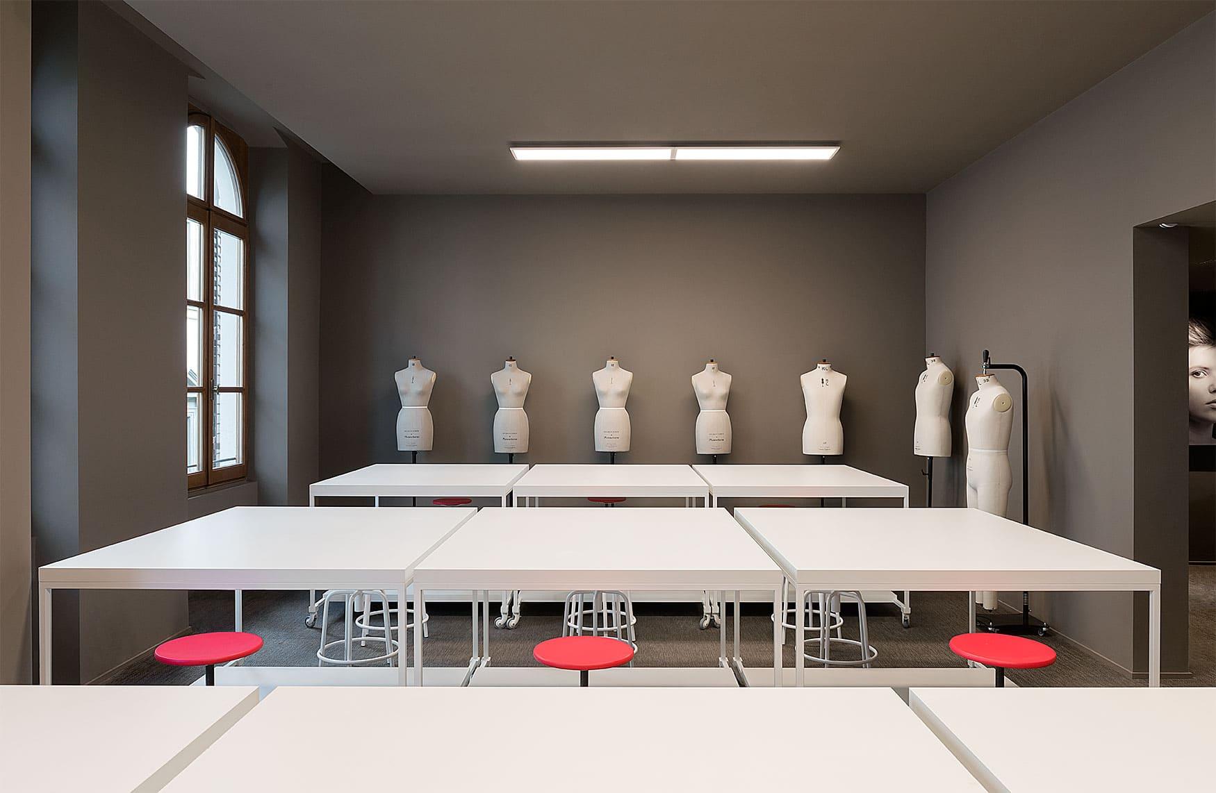 Valorizza la tua presenza online con la fotografia di interni professionale. The Florence School Of Fashion And Art Istituto Marangoni