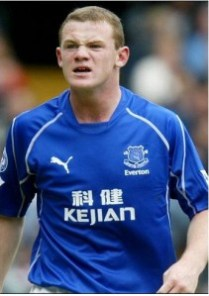 Rooney in tricoul lui Everton