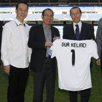 Real Madrid Sponsored by dua kelinci