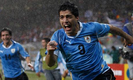 Luis-Suarez-Uruguay-v-Sou-006
