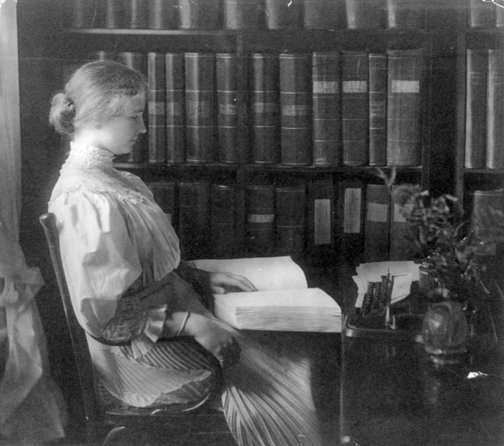 Helen Keller despre a nu accepta să te târăști