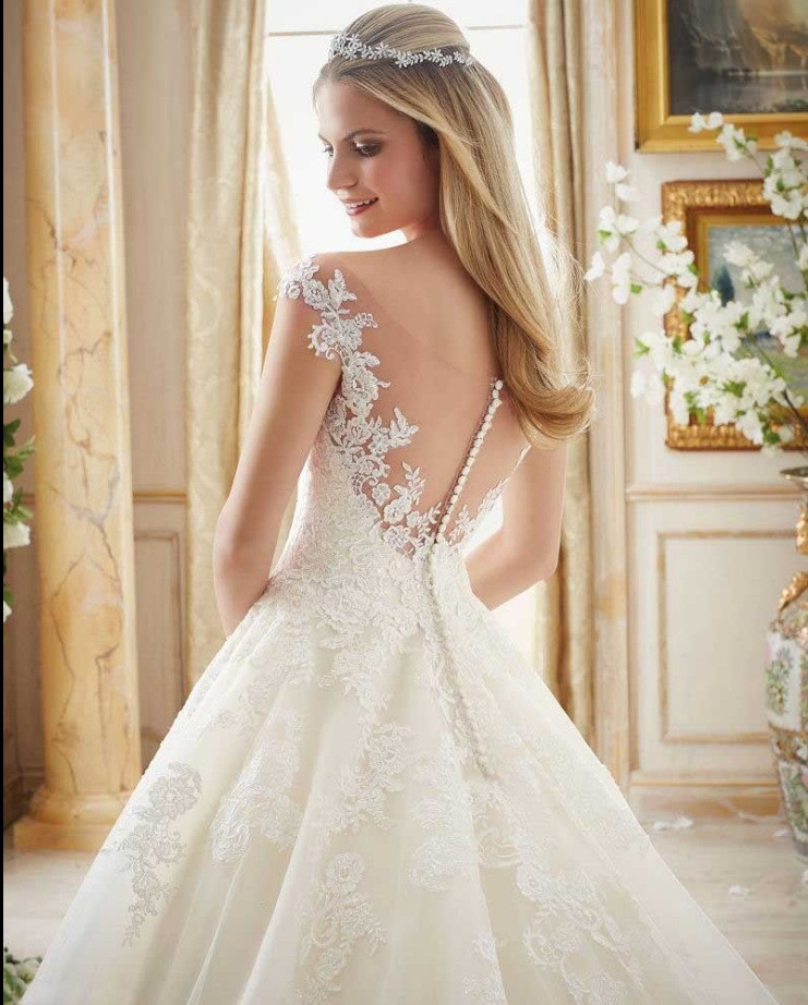 Lace Wedding Dress Ball Gown Plunging Neckline Wholesale