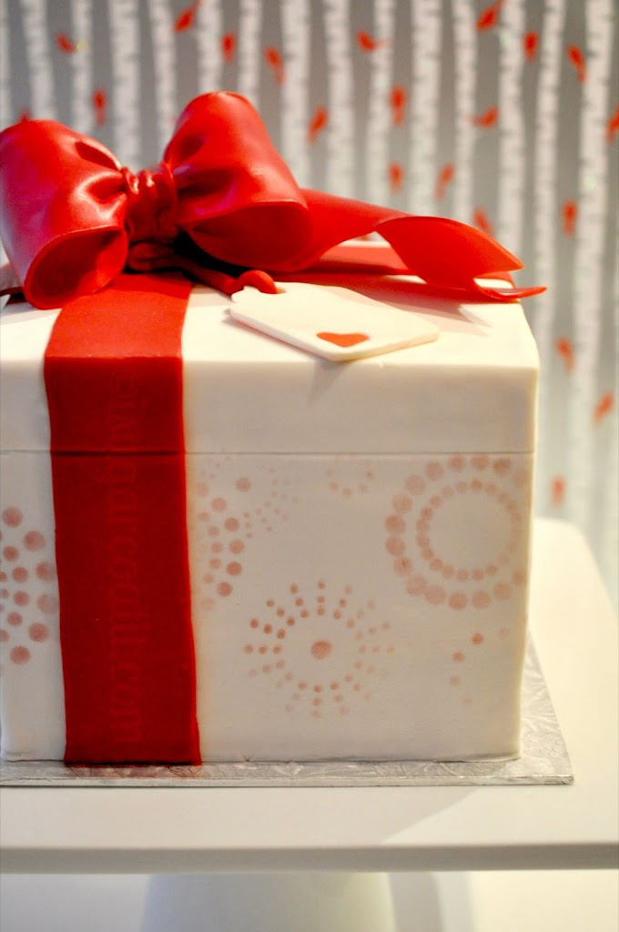 Red Velvet Amp White Chocolate Gift Cake I Sugar Coat It