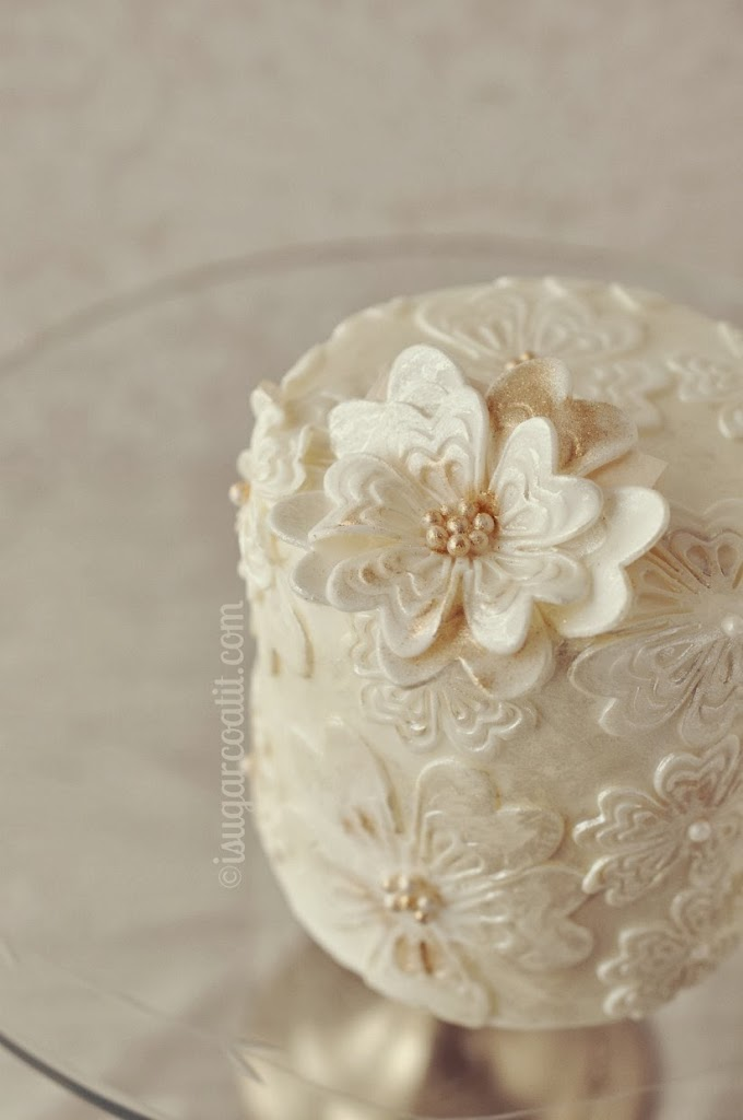 Mini vintage wedding cakes i sugar coat it mini vintage wedding cakes junglespirit Images