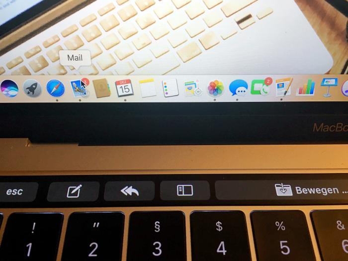 Macbook Pro mit Touch Bar - Apple Mail