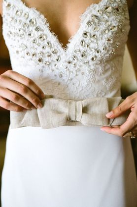 wedding dress with bow on front,wedding dresses