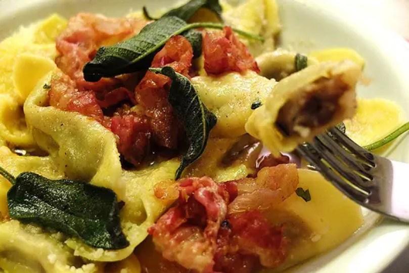 Risultato immagine per casoncelli e polenta bergamasca