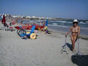accesso spiaggia san foca mare italiaccessibile 300x225 - Esperienze Accessibili sul litorale di San Foca (Le). Spiaggie accessibili nel Salento