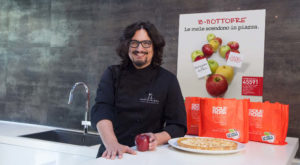 mela aism italiaccessibile 300x165 - 10 e 11 ottobre torna La Mela di AISM nelle piazze italiane