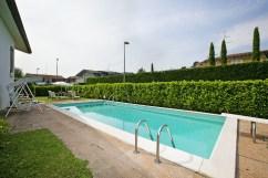Tuin met prive-zwembad