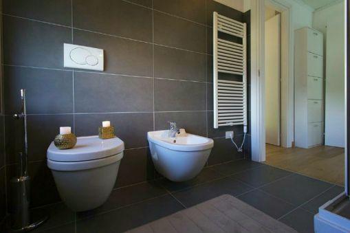 Badkamer met douhe