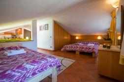 Slaapkamer 3 met twee 2-persoonsbedden