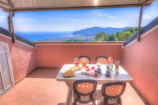Prive-terras met prachtig uitzicht!