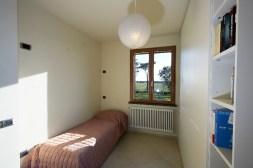 Slaapkamer 2 met stapelbed + 1-persoonsbed
